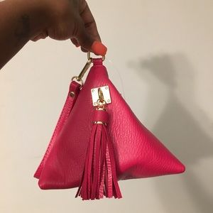 Handbags - BRAND NEW—Triangle Fuschia Wristlet